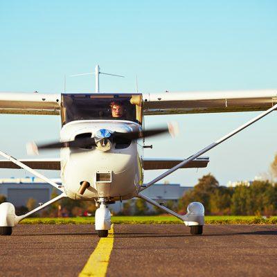 1 motors Cessna C172